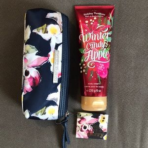 ✨2/$15✨ Bath & Body Works | Cream & Makeup Bag